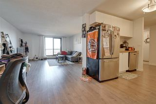 Photo 7: 802 10175 109 Street in Edmonton: Zone 12 Condo for sale : MLS®# E4178810