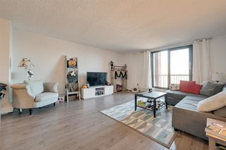 Photo 4: 802 10175 109 Street in Edmonton: Zone 12 Condo for sale : MLS®# E4178810
