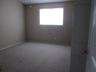 Photo 5: 2 Oakpark Crescent in St. Albert: House for rent