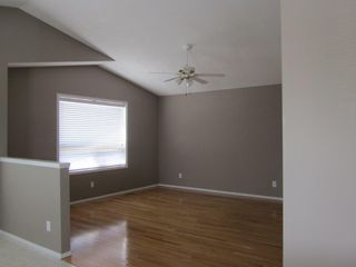 Photo 4: 2 Oakpark Crescent in St. Albert: House for rent