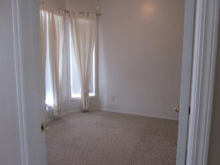 Photo 3: 2 Oakpark Crescent in St. Albert: House for rent