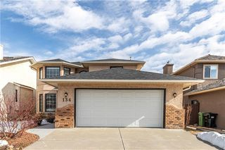Main Photo: 134 SIENNA HILLS Drive SW in Calgary: Signal Hill Detached for sale : MLS®# C4301102