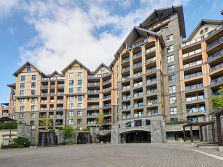 Photo 1: 102 1400 Lynburne Pl in Langford: La Bear Mountain Condo for sale : MLS®# 840131
