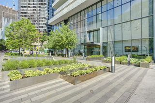 Photo 2: 207 57 St Joseph Street in Toronto: Bay Street Corridor Condo for lease (Toronto C01)  : MLS®# C4952636