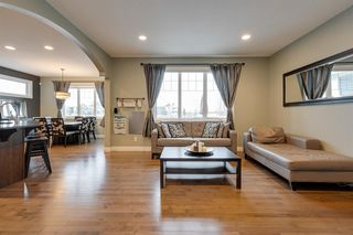 Photo 4: 7627 SCHMID Crescent in Edmonton: Zone 14 House for sale : MLS®# E4221775