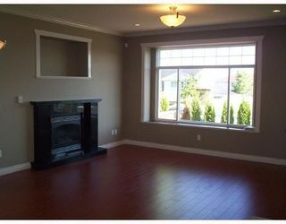 Photo 10: 4511 PARKER Street in Burnaby: Brentwood Park House 1/2 Duplex for sale (Burnaby North)  : MLS®# V786784
