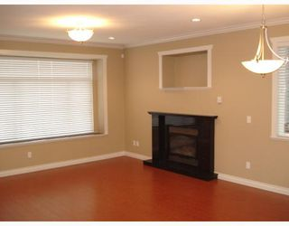 Photo 3: 4511 PARKER Street in Burnaby: Brentwood Park House 1/2 Duplex for sale (Burnaby North)  : MLS®# V786784