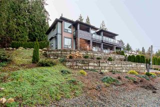 Photo 2: 2333 HENRY Street in Port Moody: Port Moody Centre House for sale : MLS®# R2528132