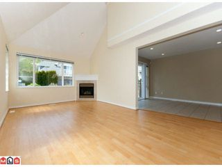 """Photo 3: 67 13918 58TH Avenue in Surrey: Panorama Ridge Townhouse for sale in """"ALDER PARK"""" : MLS®# F1009963"""