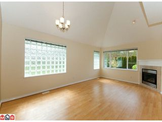 """Photo 2: 67 13918 58TH Avenue in Surrey: Panorama Ridge Townhouse for sale in """"ALDER PARK"""" : MLS®# F1009963"""