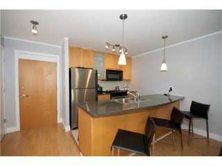 "Photo 2: 605 989 RICHARDS Street in Vancouver: Downtown VW Condo for sale in ""THE MONDRIAN"" (Vancouver West)  : MLS®# V833931"