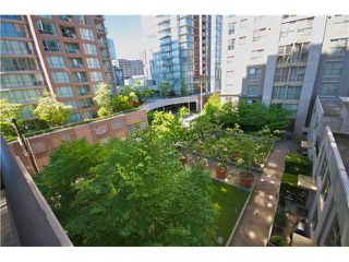 "Photo 1: 605 989 RICHARDS Street in Vancouver: Downtown VW Condo for sale in ""THE MONDRIAN"" (Vancouver West)  : MLS®# V833931"