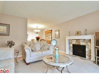 Photo 4: 9465 161ST Street in Surrey: Fleetwood Tynehead House for sale : MLS®# F1026531