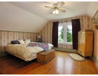 Photo 5: 427 E 10TH Street in North_Vancouver: Central Lonsdale House for sale (North Vancouver)  : MLS®# V730981