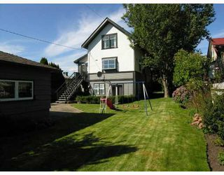 Photo 9: 427 E 10TH Street in North_Vancouver: Central Lonsdale House for sale (North Vancouver)  : MLS®# V730981