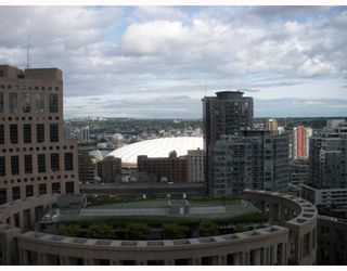 "Photo 2: 2408 788 RICHARDS Street in Vancouver: Downtown VW Condo for sale in ""L'HERMITAGE"" (Vancouver West)  : MLS®# V737305"
