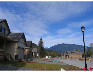 "Photo 9: 38 14550 MORRIS VALLEY Road in Mission: Mission BC House for sale in ""RIVER REACH ESTATES"" : MLS®# F2829695"