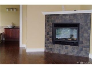 Photo 5:  in VICTORIA: SW Prospect Lake Single Family Detached for sale (Saanich West)  : MLS®# 438847
