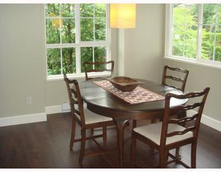 "Photo 4: 1111 ROSS Road in North_Vancouver: Lynn Valley Townhouse for sale in ""HIGHGATE"" (North Vancouver)  : MLS®# V775483"