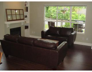"""Photo 5: 1111 ROSS Road in North_Vancouver: Lynn Valley Townhouse for sale in """"HIGHGATE"""" (North Vancouver)  : MLS®# V775483"""
