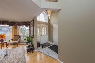 Photo 3: 3204 36 Avenue in Edmonton: Zone 30 House for sale : MLS®# E4169856