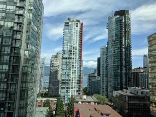 "Photo 5: 1203 1200 W GEORGIA Street in Vancouver: West End VW Condo for sale in ""RESIDENCES ON GEORGIA"" (Vancouver West)  : MLS®# R2398739"