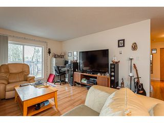 "Photo 3: 108 33850 FERN Street in Abbotsford: Central Abbotsford Condo for sale in ""Fernwood Manor"" : MLS®# R2430522"