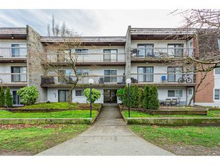 "Main Photo: 108 33850 FERN Street in Abbotsford: Central Abbotsford Condo for sale in ""Fernwood Manor"" : MLS®# R2430522"