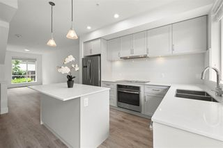 """Photo 8: 69 15775 MOUNTAIN VIEW Drive in Surrey: Grandview Surrey Townhouse for sale in """"ADREA'S GRANDVIEW"""" (South Surrey White Rock)  : MLS®# R2473356"""
