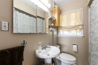 "Photo 11: 4949 FULWELL Street in Burnaby: Greentree Village House for sale in ""Greentree Village"" (Burnaby South)  : MLS®# R2496221"