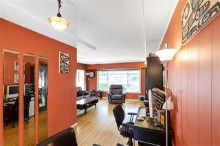 "Photo 6: 4949 FULWELL Street in Burnaby: Greentree Village House for sale in ""Greentree Village"" (Burnaby South)  : MLS®# R2496221"