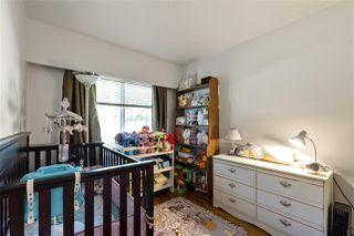 "Photo 10: 4949 FULWELL Street in Burnaby: Greentree Village House for sale in ""Greentree Village"" (Burnaby South)  : MLS®# R2496221"