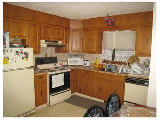 Photo 3: 1082 LONDON Street in WINNIPEG: East Kildonan Residential for sale (North East Winnipeg)  : MLS®# 2822657
