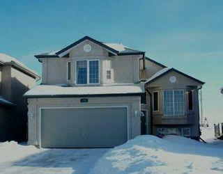 Main Photo: 75 BURKE Bay in WINNIPEG: Windsor Park / Southdale / Island Lakes Single Family Detached for sale (South East Winnipeg)  : MLS®# 2701233