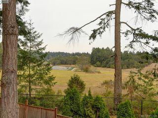 Photo 20: 107 Stoneridge Close in VICTORIA: VR Hospital Single Family Detached for sale (View Royal)  : MLS®# 415726