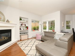 Photo 2: 107 Stoneridge Close in VICTORIA: VR Hospital Single Family Detached for sale (View Royal)  : MLS®# 415726
