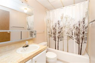 """Photo 7: 743 CASCADE Crescent in Gibsons: Gibsons & Area Manufactured Home for sale in """"Creekside"""" (Sunshine Coast)  : MLS®# R2409801"""