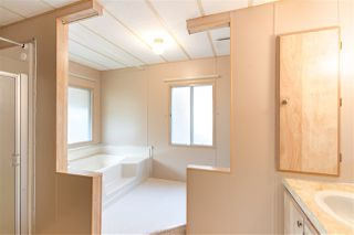 """Photo 10: 743 CASCADE Crescent in Gibsons: Gibsons & Area Manufactured Home for sale in """"Creekside"""" (Sunshine Coast)  : MLS®# R2409801"""