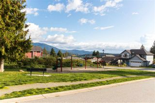 """Photo 18: 743 CASCADE Crescent in Gibsons: Gibsons & Area Manufactured Home for sale in """"Creekside"""" (Sunshine Coast)  : MLS®# R2409801"""