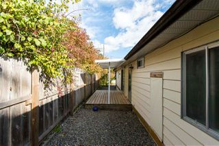 """Photo 14: 743 CASCADE Crescent in Gibsons: Gibsons & Area Manufactured Home for sale in """"Creekside"""" (Sunshine Coast)  : MLS®# R2409801"""