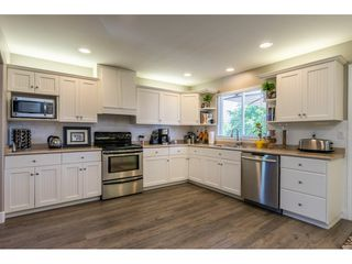 Photo 2: 27390 30 Avenue in Langley: Aldergrove Langley House for sale : MLS®# R2414680