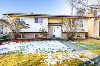 Main Photo: 27 Nellis Avenue in Red Deer: RR Normandeau Residential for sale : MLS®# CA0183150
