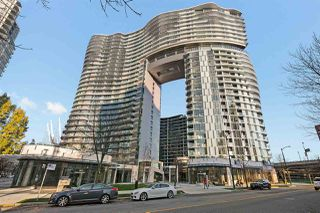 "Main Photo: 687 87 NELSON Street in Vancouver: Yaletown Condo for sale in ""The Arc"" (Vancouver West)  : MLS®# R2421358"