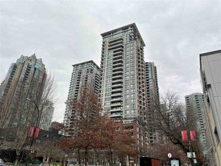 "Main Photo: 1204 977 MAINLAND Street in Vancouver: Yaletown Condo for sale in ""YALETOWN PARK 3"" (Vancouver West)  : MLS®# R2432515"