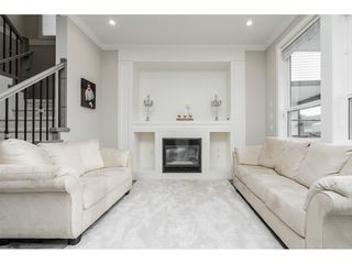 Photo 3: 4400 STEPHEN LEACOCK Drive in Abbotsford: Abbotsford East House for sale : MLS®# R2445104