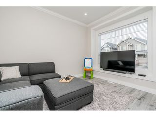 Photo 8: 4400 STEPHEN LEACOCK Drive in Abbotsford: Abbotsford East House for sale : MLS®# R2445104