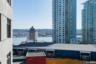 """Photo 13: 1510 892 CARNARVON Street in New Westminster: Downtown NW Condo for sale in """"Azurell"""" : MLS®# R2446533"""