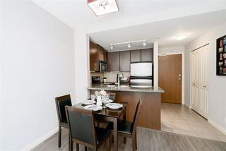 """Photo 6: 1510 892 CARNARVON Street in New Westminster: Downtown NW Condo for sale in """"Azurell"""" : MLS®# R2446533"""