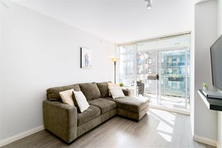 """Photo 9: 1510 892 CARNARVON Street in New Westminster: Downtown NW Condo for sale in """"Azurell"""" : MLS®# R2446533"""