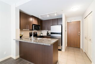 """Photo 4: 1510 892 CARNARVON Street in New Westminster: Downtown NW Condo for sale in """"Azurell"""" : MLS®# R2446533"""